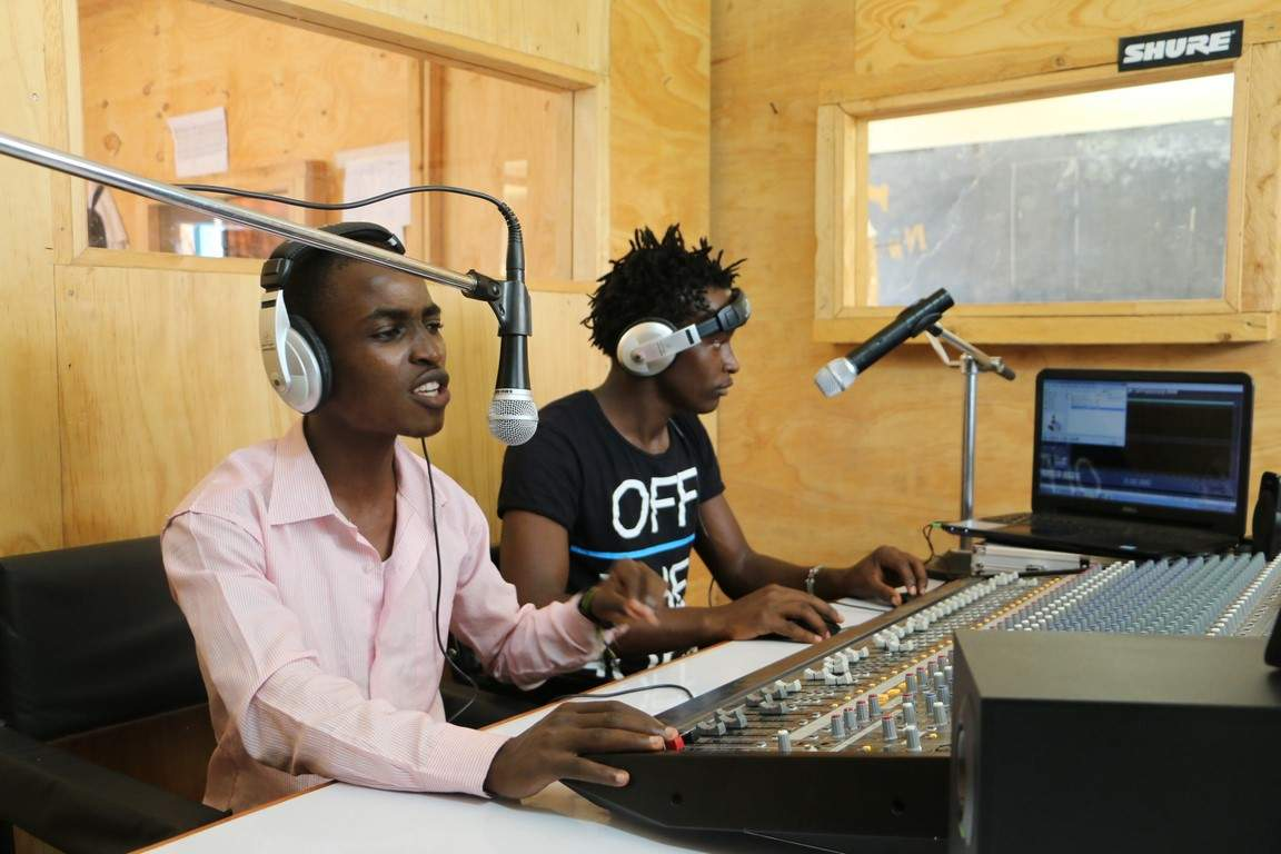 communication journalism The department of journalism and communication offers two majors: one in journalism and another in journalism and science and environmental writing.